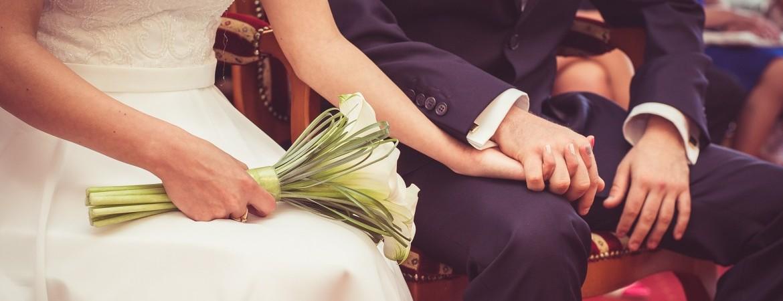 婚姻届を出す時に必要なもの【希望の入籍日に!】3|結婚式ムービーchouchou(シュシュ)