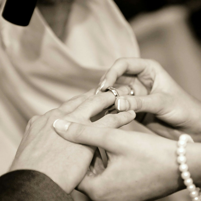 プロフィール|結婚式ムービーchouchou(シュシュ)